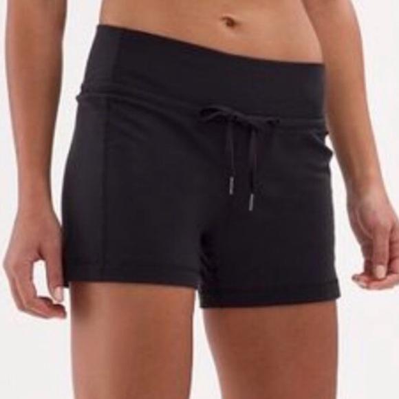 Lululemon Luon drawstring shorts